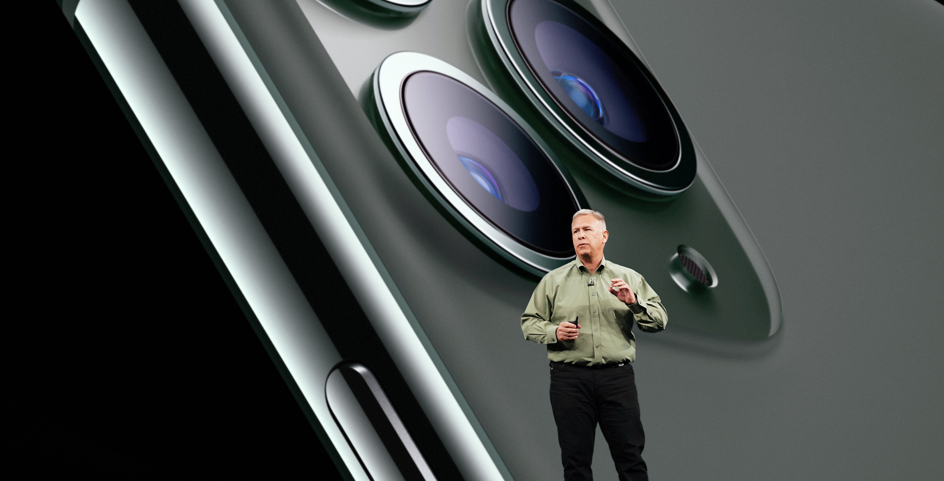 Apple-Keynote-Event-Phil-Schiller-iPhone-11-Pro-091019